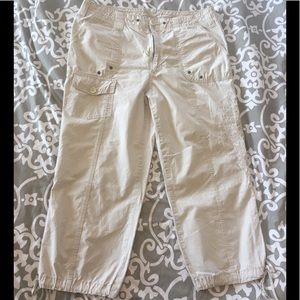 Off white stitched detail capris